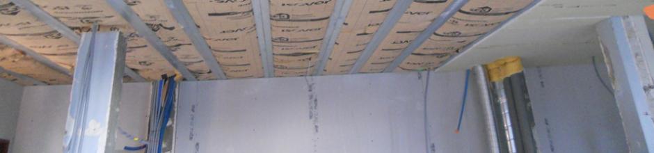 doublage mur humide sur sol fini with doublage mur humide top sur le mur avec fentre luisolant. Black Bedroom Furniture Sets. Home Design Ideas