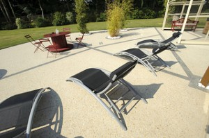 Entreprise construction terrasse en b ton nimes for Terrasse en beton colore